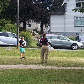 Stor stas når brannmannen entret fotballbanen