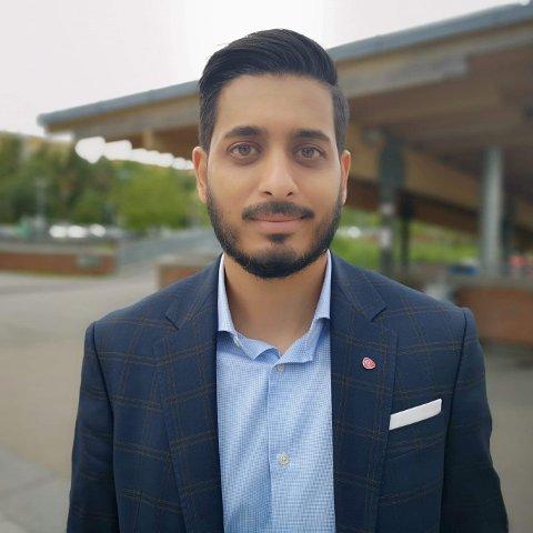 Farukh Qureshi, her på Mortensrud Torg, er bystyrerepresentant for Oslo Arbeiderparti.
