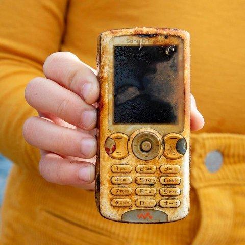 GODT BRUKT: Denne mobilen har sett sine beste dager.