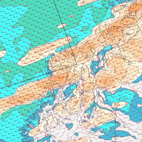 NATT TIL FREDAG: Slik ser et fersk værkart ut ved midnatt til fredag over Troms. Tromsø ligger altså begravet under det gule. Og den gule og oransje fargen indikerer snø per time. og i dette tilfellet 1-2 centimeter i timen. Blå- og grønnfargene er vindstyrke. Mørk er frisk bris, lys blå liten kuling. Og grønn er stiv kulig.