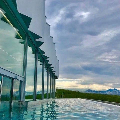 SKAL TESTES: Bortsett fra 50-metersbassenget er Tromsøbadet nå ferdig. Nå skal badelandet testes.