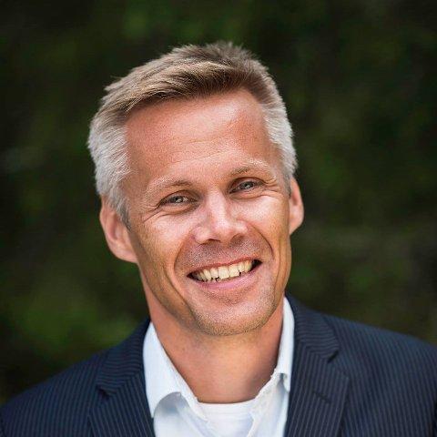 GIR SEG: Kristian Sagnes Damstuen gir seg som kommunedirektør i Nord-Aurdal og trer inn i det private næringslivet i løpet av høsten.