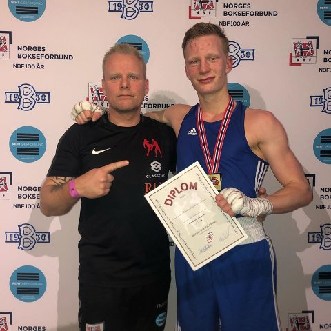 NM_GULL: Trener Andre Sollund (t.v.) med sin elev og norgesmester Martin Skogheim.