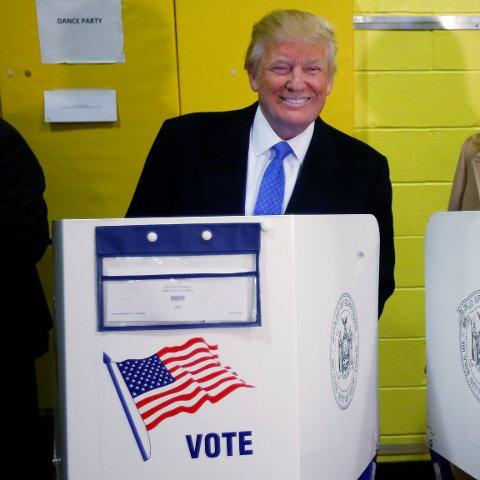 VINNER: Republikanske Donald Trump gjorde meningsmålingene til skamme, og fikk velgerne med seg i valget på ny president i USA. (Foto: REUTERS/Carlo Allegri/NTB scanpix)