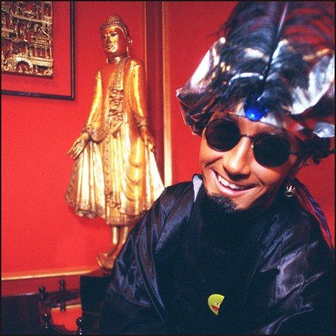 DR. BOMBAY: Er en av flere 90-tallshelter som tar turen til Elverumshallen i mars. (Foto: Heiko Junge, NTB)