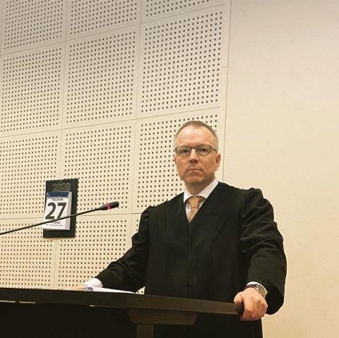 ANKER: Advokat Jostein Løken er forsvarer for familiefaren som sto tiltalt i Strandstykket-saken. 55-åringen ble dømt til 120 dager i fengsel, noe han valgte å anke ved forkynnelsen.