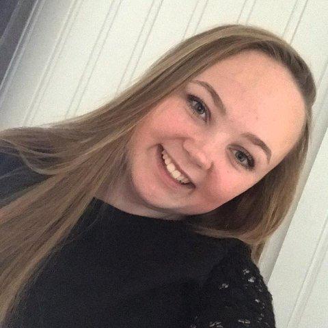 Vi tok en sommerprat med Åse Degnes. Hun er student i Gjøvik, men nå er hun hjemme i Rakkestad på sommerferie.