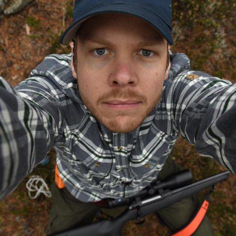 Petter Larsson (34) jobber til vanlig som fotograf og kameramann for NRK.