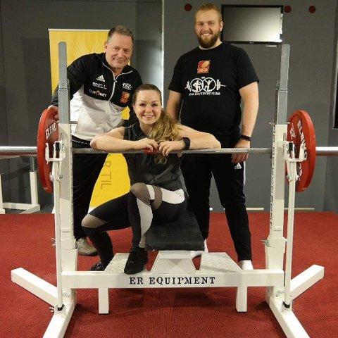 Tre utøvere fra Rana Kraftsportklubb deltok i helgas NM, og to av dem kom hjem med medalje.