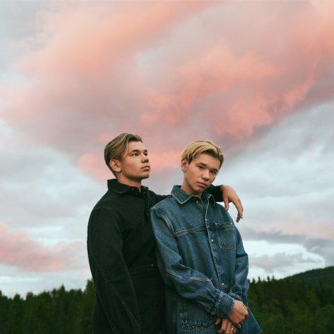 Annerledes år: Marcus og Martinus har fått mer tid hjemme på Trofors, men de har også vært i Oslo flere turer i år for å spille inn musikk.