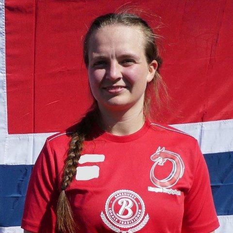 Pauline Opstad (25) spiller på damelandslaget i Rugby