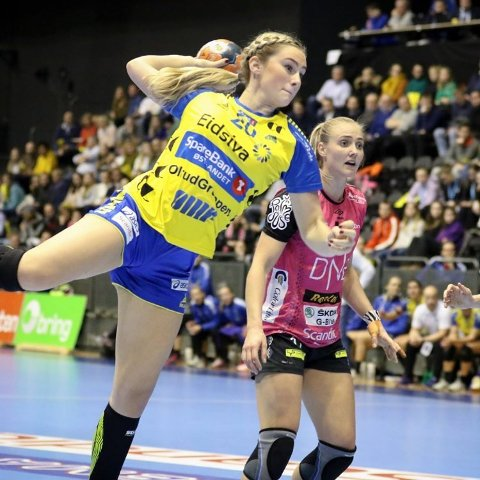 Europajubel: Mia Svele og de andre på Storhamar kunne juble over seier i Europacupen i Håndball. Her fra en tidligere kamp.