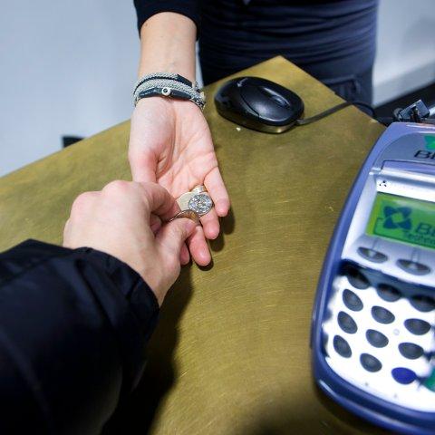 Det skal være mulig å betale kontant på alle sykehus i Norge.