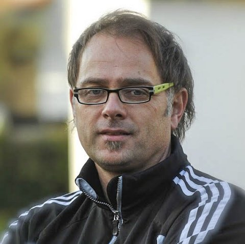 Involvert: Journalist Lasse Evensen fra Jevnaker har engasjert seg i å få et nordkoreansk lag til Norway Cup.