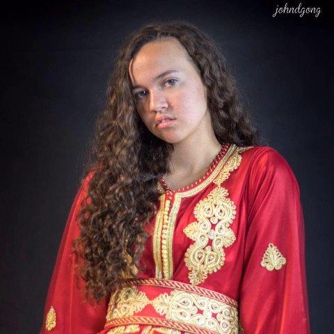 SKOLE I UTLANDET: Hedda Ouassou (17) valgte å fortsette videregående på skole i Armenia.