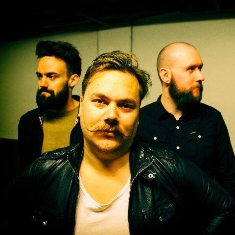 - Vi skal levere en solid rockekonsert, garanterer Daniel Odda fra Hønefoss-bandet Captain Kill.