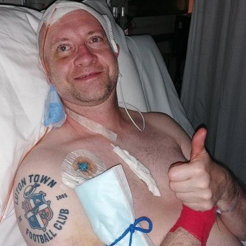 SENGELIGGENDE: Thomas Møller tilbragte fire uker i sykesengen etter at han fikk sin andre hjerneblødning i juni.
