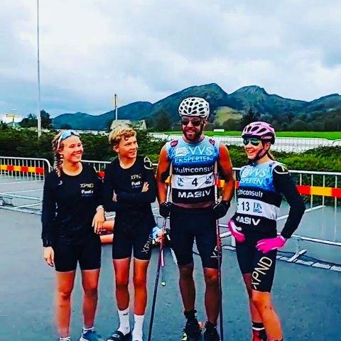 EN OPPLEVELSE: Hanna Jensen, Herman Sjøvaag og Louise Marken Tronrud gikk stafett sammen med verdensstjernen Tord Asle Gjerdalen.