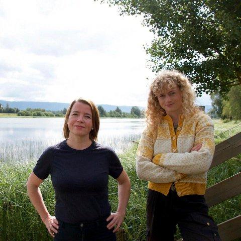 VIL STOPPE PROSJEKTET: Margit Fausko (til høyre) var på befaring i Ringeriksbane-traseen sammen med MDG-nestleder Kriss Rokkan Iversen. Ringeriksbanen og E16 kan bli et tema når det skal forhandles om regjeringsalternativer.