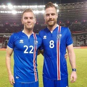 NABOER: Tryggvi Hrafn Haraldsson (tv.) og Arnor Smárason var sammen på det islandske landslaget i 2018.