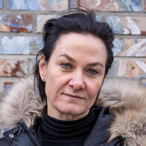 Linda Berg-Heggelund, generalsekretær i Mental Helse, er forberedt på et stort trykk på hjelpetelefonene i tiden som kommer.