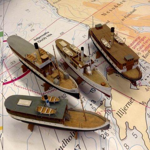 SPESIELT IINVITERT: Dampbåtene «Helvig», «Asker», «Tourist» og «Louise». Bygget av Trond Salvesen, utlånt av Ingelil Mitchell.