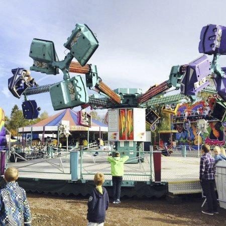 TIVOLIHELG: Det blir tivoli i Slemmestad idrettspark denne helgen.