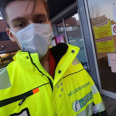 JOBBER VED OSLO LEGEVAKT: Joakim Hempel måtte stenge dørene til klinikken i Sande, men nye dører åpnet seg ved Oslo legevakt.