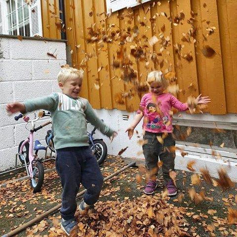 Gøy: Toril Ask er fotografen bak et flott høstbilde av barn i lek. Toril er ukesvinner.