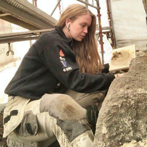BYGGEKOMITÉMEDLEM: – Jeg er selv faglært murer, og vet at det er mange prosesser i en byggeperiode hvor det er enkelt å sette inn lærlinger og faglærte, sier Lise-Marie Sommerstad (Sp).