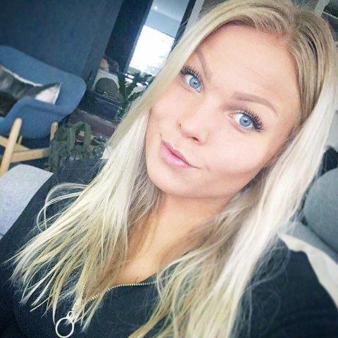 VALGTE UTRADISJONELT: Tonje Østerud (28) har valgt utradisjonelt når det gjelder utdanning. Hun er i dag lærling hos Norén Maler og Byggtapetserforretning AS i Fredrikstad.
