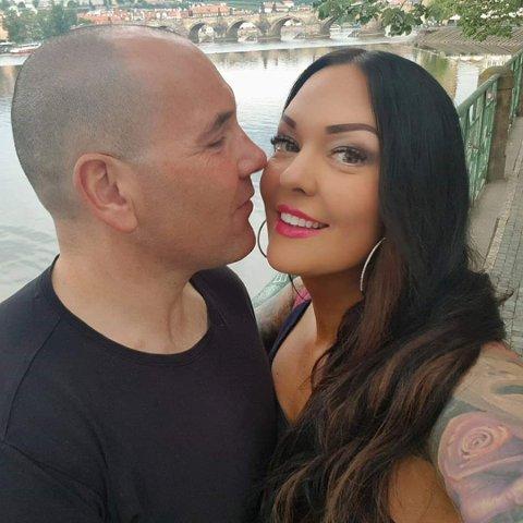 GIFTEKLARE: Lørdag gifter Lasse (44) og Lene Aalerud (41) seg med hverandre i Olavskapellet på Borgarsyssel. Kun dager senere går turen videre til bryllupsreise i Drammen.