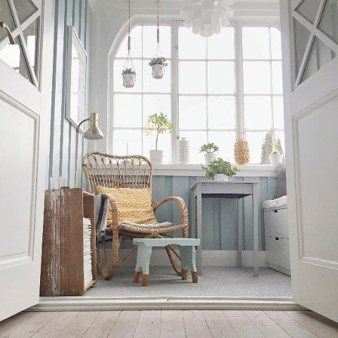 Karianne Christensens vakre hjem i Halden er fullt av herlige farger, gamle skatter og trendy interiør.