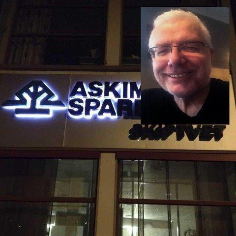 Morten Sæves Borg (innfeldt) er frustrert over Askim og Spydeberg sparebank som har lagt ned filialene og minibanken i Skiptvet.