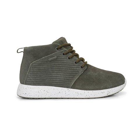 Det var slike sko, av merket  Kastel Madla WR, som båstadkvinnen ble frastålet på helsestasjonen i Mysen.