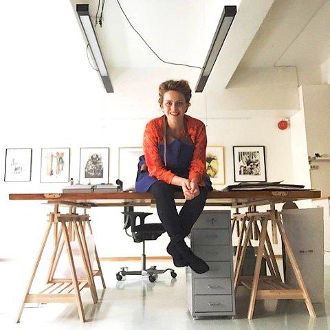 ATELIER PÅ FISTER: Hilde Bjørg Thomsen vil ha atelier i løa på Fister, men må først gjennom dispensasjonsbehandling.