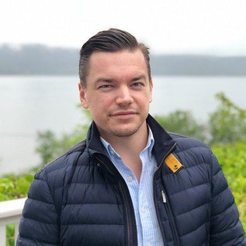Alexander Backmann (27) hadde fire solstudioer. Nå har han ingen, etter at han valgte å satse på noe helt annet.