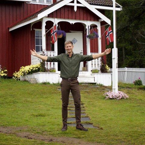 Programleder Gaute Grøtta Grav håper at årets Farmen-gård ligger i Vestfold.
