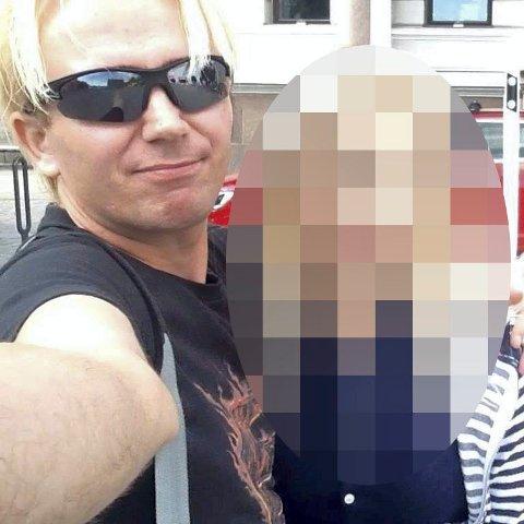 AVVIST: Den såkalte filmskaperen må møte i retten førstkommende mandag, siden Agder lagmannsrett avviste begjæringa hans om utsettelse av rettssaken. Bildet er fra 38-åringens Facebook-side, som nå er fjernet.