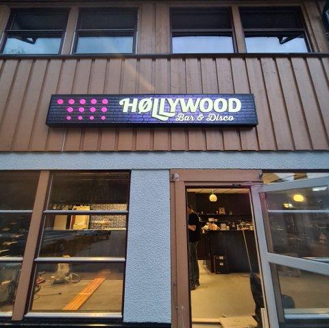 HØLLYWOOD: 15. oktober åpnet dørene til utestedet Høllywood på Dalen.