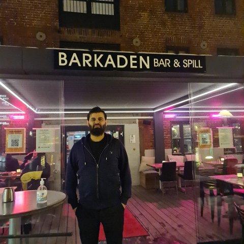 UFORSTÅELIG: Barkaden-eier Zirek Suleyman fortviler over de nye skjenkeinnstrammingene.