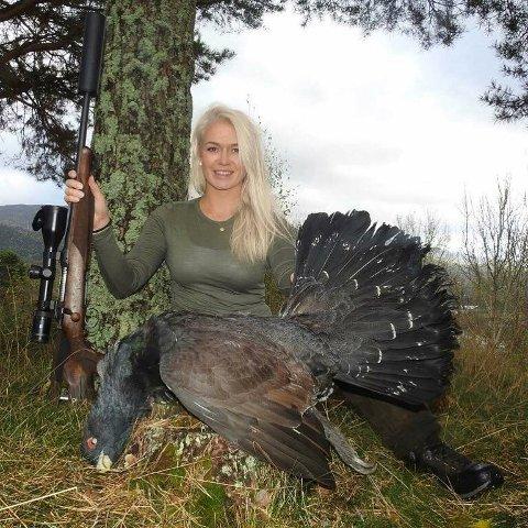 LIDENSKAP: Anette Dahl har en stor lidenskap for jakt og friluftsliv, og har skutt over 50 dyrearter i inn- og utland.