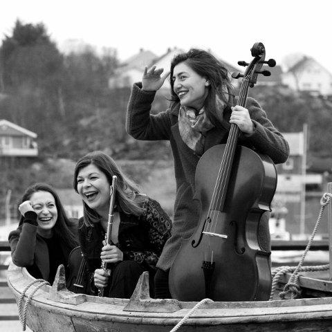 Kinda Trio består av Kinda Trio Jasmina Zivic, Anna Ostachowska og Zhala Aliyeva, og skal opptre på Festspillene i Kristiansund.
