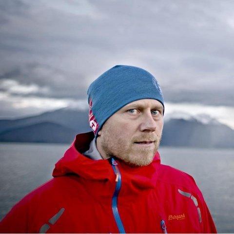 Ole-Morten Hestetun har god kjennskap til farene ved å ferdes i fjellet. Han bruker mye av tiden sin på å kartlegge potensiell skredfare i områder som er utenfor NVEs skredvarsling.