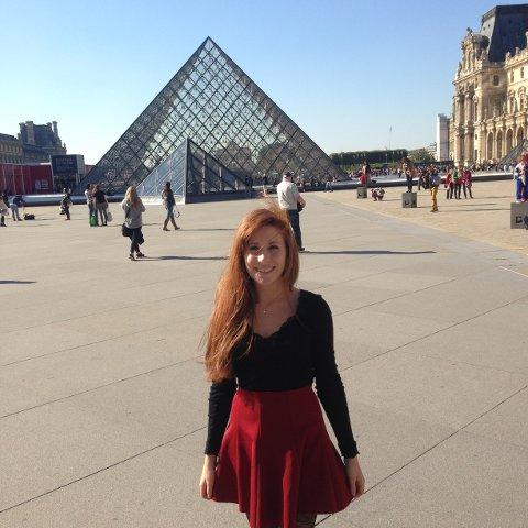 Bare ett døgn før terroren var Astrid Marie Wettre (19) ved Louvre, der ett av gårsdagens angrep skal ha skjedd.