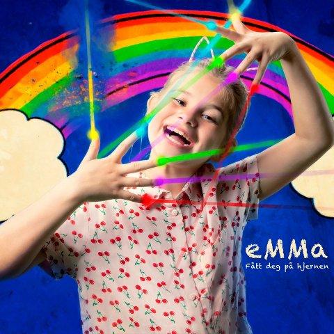 JA OG NEI: Emma Gunnarsen sto på plakaten til Messafestivalen, men opptredenen ble avlyst fordi ti-åringen ikke kunne få følge av foreldrene sine.