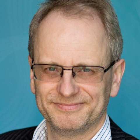 Henrik Syse (1966) Filosof, fredsforsker, professor, søndagsskolelærer, journalist mm