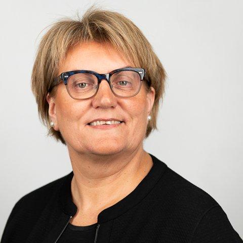 INVESTERINGSRÅD: – Jeg kommer ikke med den typen investeringsråd på Facebook, det er helt sikkert, sier Guri Moum Brede, Sparebank1s banksjef for Steinkjer og omegn.