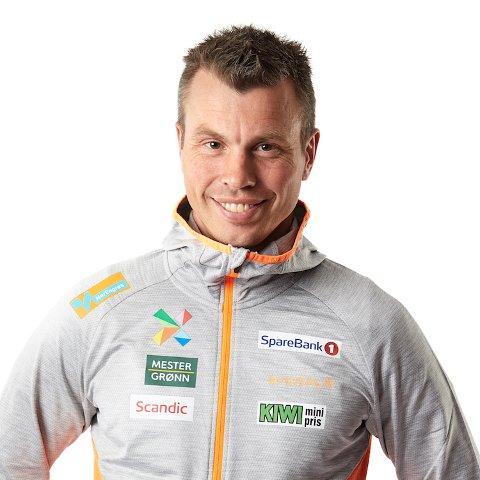 Trenar for kvinnene sitt elitelandslag i langrenn, Geir Endre Rogn, pratar for næringslivet i Vang under siste næringsfrukost før sommaren.