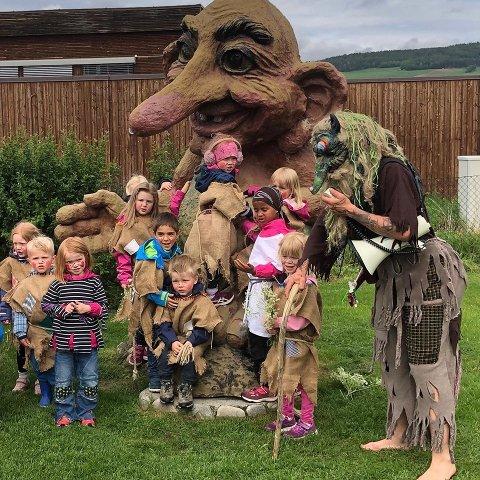 Nytt av året er at festivalen på Beitostølen åpner dørene på et familievennlig arrangment med lokale artister, troll, hulder, ansiktsmaling, ballondyr, lokalmat og klessalg; alt under fanen «Ung i Trollrock».